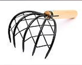 Short handled rake